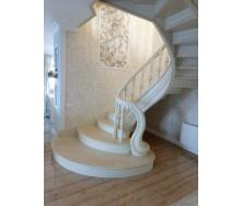 Виготовлення дубових спіральних сходів з різьбленою фігурою