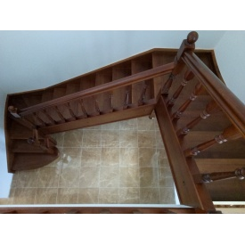 Виготовлення сходів з сосни