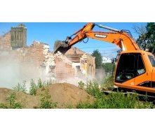 Демонтаж старої споруди