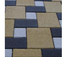 Тротуарная плитка Золотой Мандарин Квадрат большой 200х200х60 мм на сером цементе горчичный