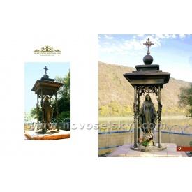 Кованая часовня со статуей Матери Божьей под заказ