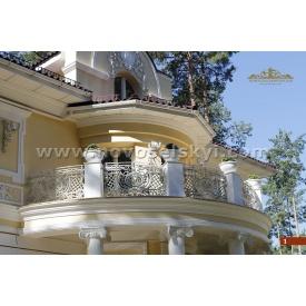 Коване огородження балкону півкругле кольору слонової кістки