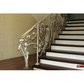 Кованое ограждение лестницы интерьерное цвета слоновой кости А4014