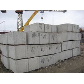 Фундаментный блок ФБС 24-6-6т 2380х600х580 мм