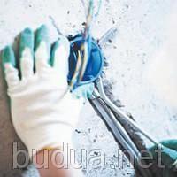 Вырезка отверстия и установка распредкоробки (бетон)