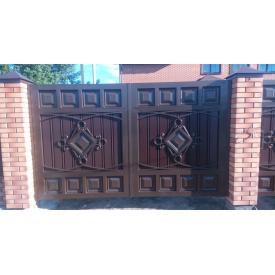 Ворота з профнастилом закриті з кованими елементами Legran