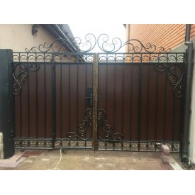 Ворота с профнастилом кованые закрытые роспашные Legran