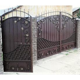 Ковані ворота закриті з піками та профнастилом Legran