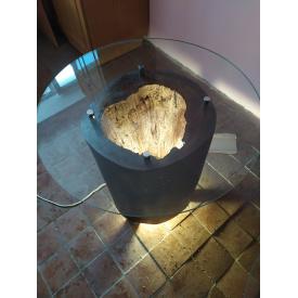 Декоративный стол из ствола дерева