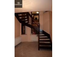 Виготовлення дерев`яних сходів на другий поверх