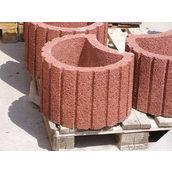 Клумба бетонна 350*210*40 мм червона
