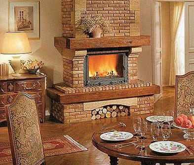 Як правильно вибрати камін для будинку: види, переваги та розташування