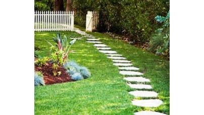 Какой материал и способ укладки выбрать для декоративной садовой дорожки?