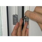 Регулювання фурнітури стулки балконних дверей