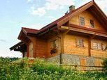 Деревянный домик для дачи