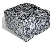 Бруківка гранітна колота Покостівка 50*50*50 мм світло-сіра