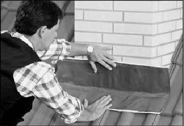 Устройство примыкания черепицы к трубам и стенам