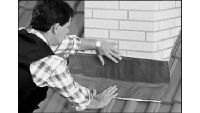 Облаштування примикання черепиці до труб і стін