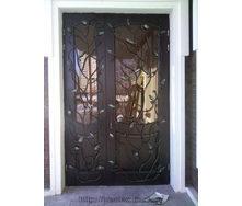 Декор-решетка на двери кованая