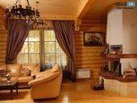 Интерьер в доме из дерева