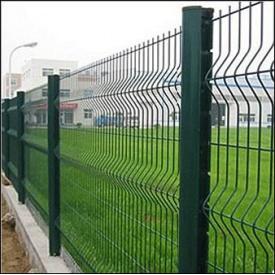 Забор из металлической сетки зеленый