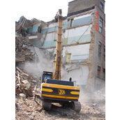 Демонтаж промышленного здания гидромолотом