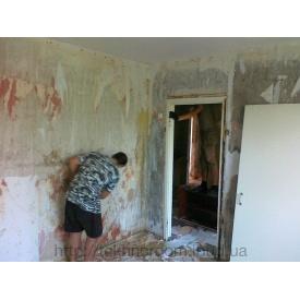 Демонтаж шпалер зі стіни