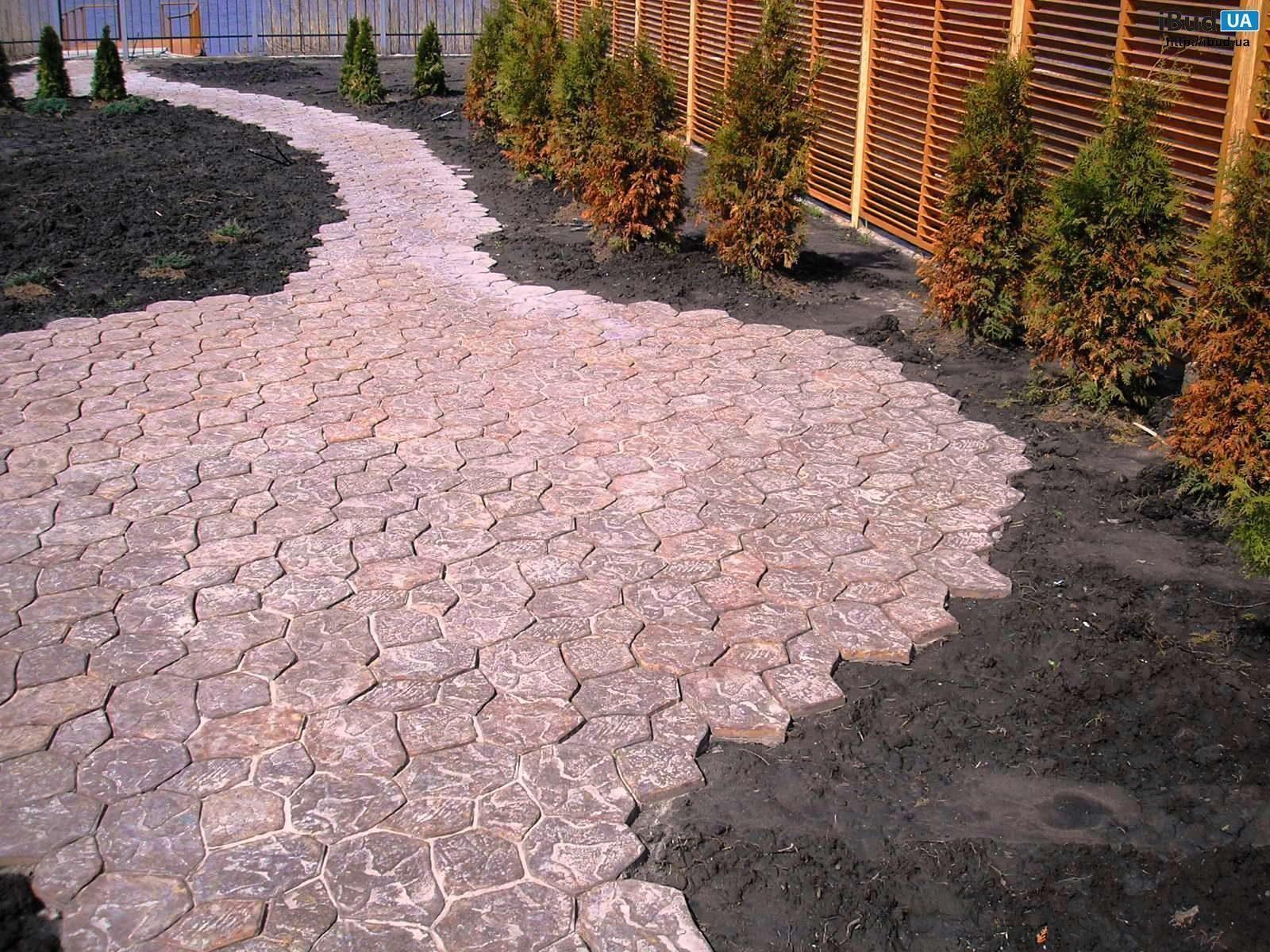 Садовые дорожки своими руками: простые и экономные способы 57