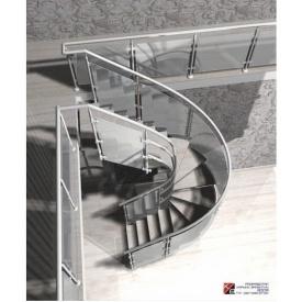 Мраморная лестница со стеклянными перилами