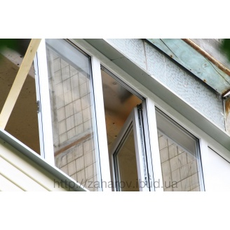 Остекление балкона профилем Rehau