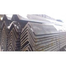 Уголок металлический равнополочный 32х32х3 мм