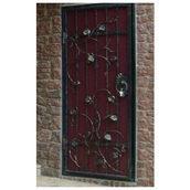 Кованая решетка для входной двери