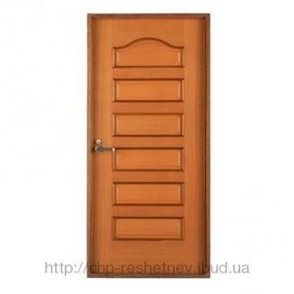 Міжкімнатні дерев'яні двері (R-002)