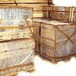 Комплекти коробки дверної укладені на піддон для транспортування