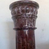 Колона з мармуру Россо Леванто