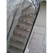 Мармурові сходи без підсхідців