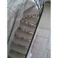 Мраморная лестница без подступенков
