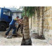 Буріння ям під палі для зміцнення фундаментів