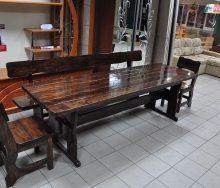 Дерев'яні меблі для кухні