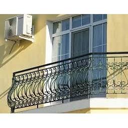 Кованая решетка для фасада