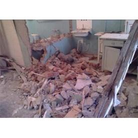 Демонтаж цегляних стін і конструкцій