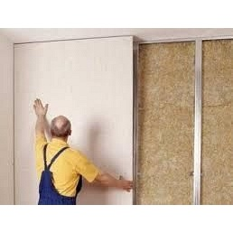 Выравнивание стен гипсокартоном с установкой металлокаркаса