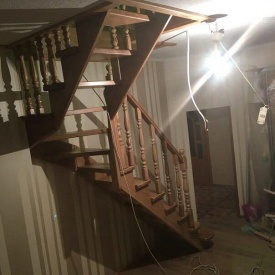 Деревянная маршевая лестница