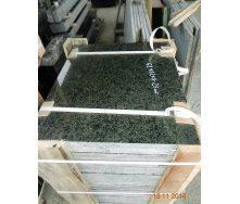 Плитка фасадная Маславский гранит 25-30 мм темно-зеленая