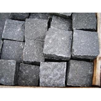 Колота бруківка з темно-сірого граніту Габро 10х10х5 см