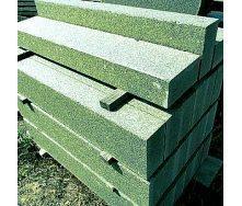 Бордюр дорожный из натурального гранита с фаской 100х30х18 см зеленый