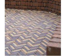Тротуарна плитка Золотий Мандарин Барселона Антик 192х45х60 мм персиковий на сірому цементі