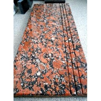 Сходинка з Капустинського червоного граніту термооброблена 330х30 мм