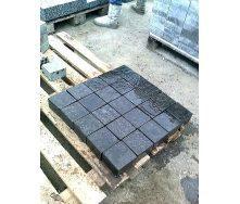Тротуарная плитка базальтовая 10х10х5 см черная