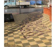Тротуарна плитка Золотий Мандарин Квадрат великий 200х200х60 мм жовтий на сірому цементі